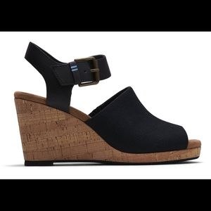 TOMS NWT Oxford Leather Tropez Wedges Size 11